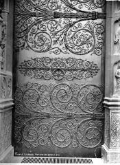 Cathédrale Notre-Dame - Façade ouest : pentures de porte