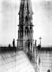 Cathédrale Notre-Dame - Flèche : partie inférieure