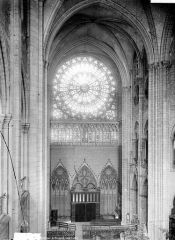 Cathédrale Notre-Dame - Vue intérieure de la nef : revers de la façade ouest