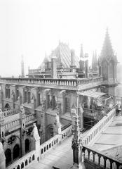 Cathédrale Notre-Dame - Sacristie : partie supérieure et toiture