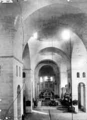 Cathédrale Saint-Front - Vue intérieure de la nef, vers le choeur