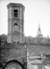 Cathédrale Saint-Jean-Baptiste - Clocher, côté nord
