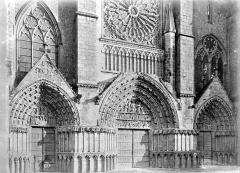 Cathédrale Saint-Pierre - Portails de la façade ouest