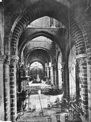 Cathédrale Notre-Dame et ses dépendances - Vue intérieure de la nef, vers le choeur