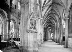 Cathédrale Saint-Corentin - Vue intérieure du bas-côté nord