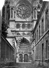Cathédrale Notre-Dame - Façade nord : Transept