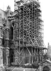 Cathédrale Notre-Dame - Façade sud : transept échafaudé