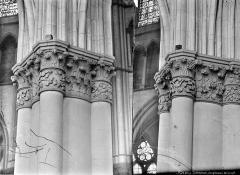 Cathédrale Notre-Dame - Chapiteaux de la nef