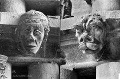 Cathédrale Notre-Dame - Transept sud : détail de figures sculptées (corbeaux)
