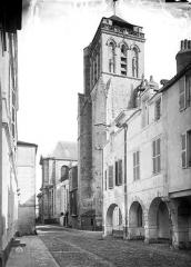 Cathédrale Saint-Louis - Tour Saint-Barthélémy (clocher de l'ancienne église), côté nord