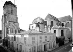 Cathédrale Saint-Louis - Ensemble nord-est : tour Saint-Barthélémy et abside