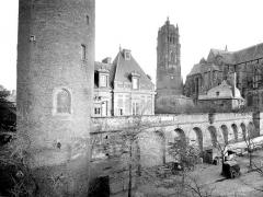 Cathédrale Notre-Dame - Façade nord prise de l'évêché
