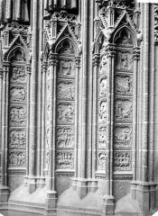 Ensemble archiépiscopal - Portail du transept sud dit de la Calende : ébrasement