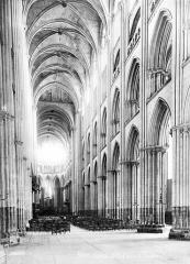 Ensemble archiépiscopal - Vue intérieure de la nef, vers le sud-est