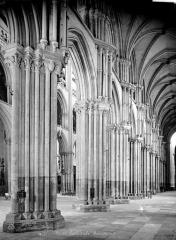 Ensemble archiépiscopal - Vue intérieure du bas-côté sud, vers le nord-est