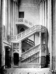 Ensemble archiépiscopal - Escalier de la bibliothèque