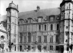 Ensemble archiépiscopal - Archevêché : façade sur cour