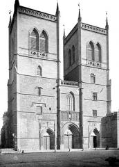 Cathédrale Saint-Pierre - Façade ouest