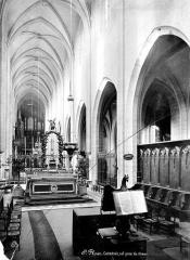 Cathédrale Saint-Pierre - Vue intérieure de la nef, vers le nord-ouest