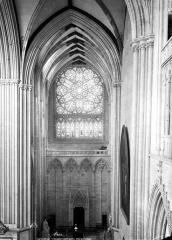 Cathédrale Notre-Dame - Vue intérieure du transept nord, prise de la tribune
