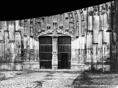 Cathédrale Saint-Etienne - Portail du transept nord : partie inférieure