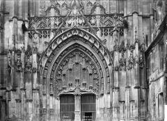 Cathédrale Saint-Etienne - Portail du transept nord : partie supérieure