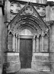 Cathédrale Saint-Etienne - Façade nord : porte