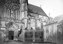 Cathédrale Saint-Etienne - Façade sud : partie est et grille de l'archevêché