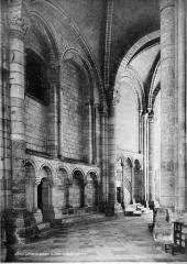 Cathédrale Saint-Etienne - Vue intérieure du déambulatoire