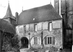 Cathédrale Saint-Etienne - Maison du maître d'œuvre : vue d'ensemble