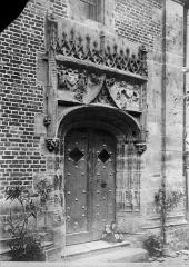 Cathédrale Saint-Etienne - Archevêché : porte d'entrée