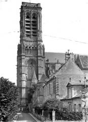 Cathédrale Saint-Gervais et Saint-Protais - Façade sud : Clocher