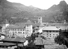 Cathédrale Saint-Pierre de Moûtiers - Vue générale prise du sud