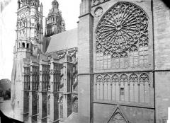 Cathédrale Saint-Gatien - Façade sud : partie ouest et transept