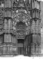 Cathédrale Saint-Gatien - Portail sud de la façade ouest