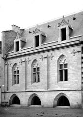 Cathédrale Saint-Martin, actuellement Notre-Dame et cloître, actuellement Musée municipal£ - Salle capitulaire : façade est