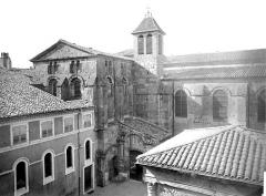 Cathédrale Saint-Apollinaire - Façade nord : partie centrale et transept