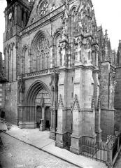 Cathédrale Saint-Pierre - Angle sud-ouest
