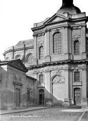 Cathédrale Saint-Louis - Façade est : Transept