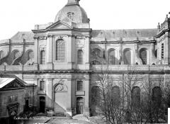 Cathédrale Saint-Louis - Façade est