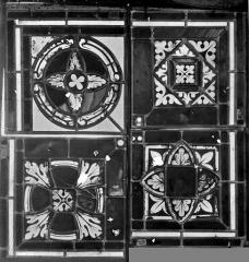Cathédrale Saint-Jean - Vitrail : fragments décoratifs