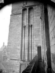 Cathédrale Saint-Pierre Saint-Paul - Galerie entre les deux tours de la façade ouest