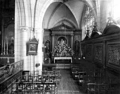 Ancienne abbaye ou prieuré Saint-Ayoul - Vue intérieure du bas-côté sud : lambris et autel