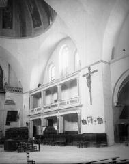 Cathédrale Saint-Etienne - Vue intérieure de la nef, côté nord-ouest