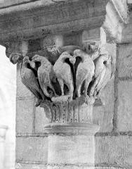 Eglise Saint-Florent - Chapiteau de la nef