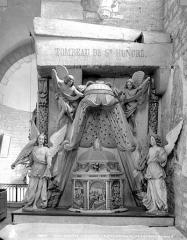 Eglise Saint-Florent - Tombeau reliquaire dit de saint Honoré