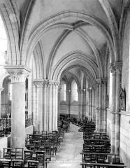 Eglise Saint-Martin - Vue intérieure du déambulatoire