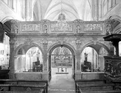 Eglise Saint-Pierre appelée aussi église collégiale Saint-Pierre et Saint-Paul - Jubé