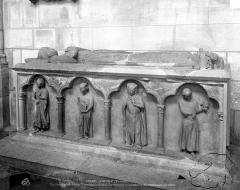 Eglise Saint-Jean - Tombeau d'une comtesse, ensemble