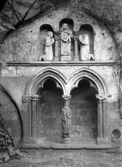 Eglise Saint-Salvy et son cloître - Enfeu